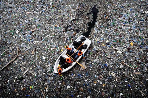 Báo động rác thải nhựa ở Thái Bình Dương