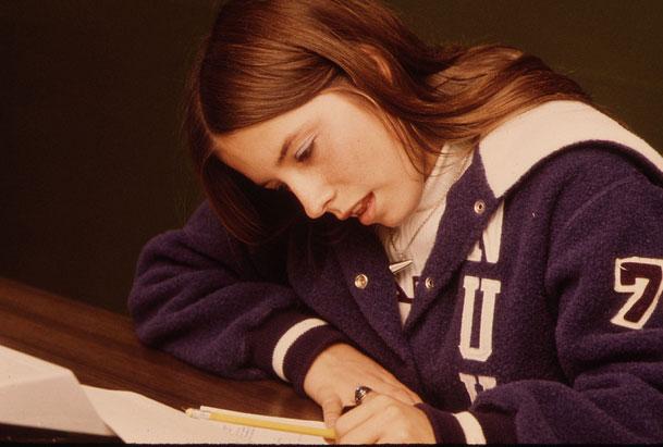 Các cô gái lo âu thường gặp khó khăn trong học tập