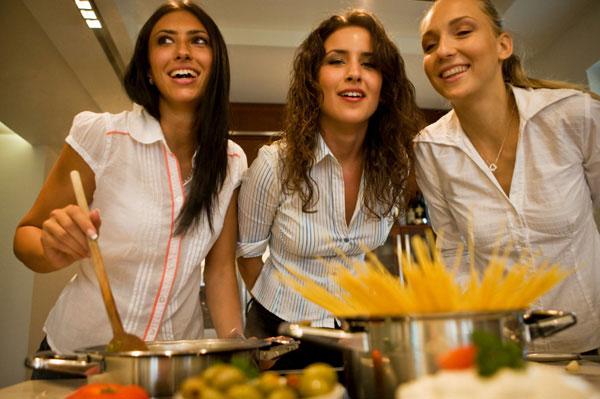 Nấu ăn thường xuyên có thể sống thọ hơn