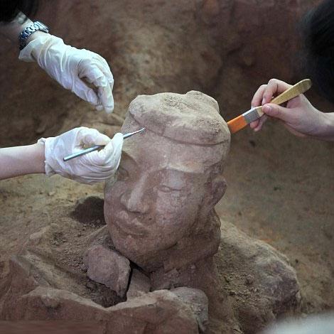 Hình ảnh: Khai quật hàng trăm chiến binh 2000 tuổi