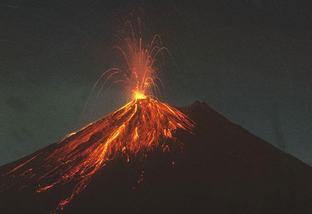 Núi lửa đáng sợ hơn thiên thạch