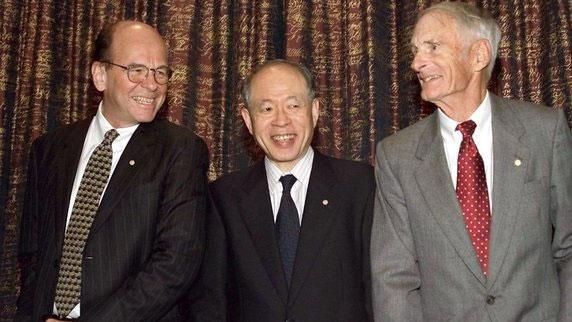 Nhà hóa học đoạt giải Nobel qua đời ở tuổi 95