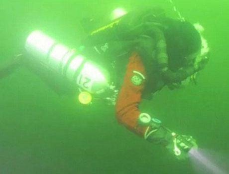 Một thành viên trong đoàn nghiên cứu UFO dưới đáy biển Baltic.