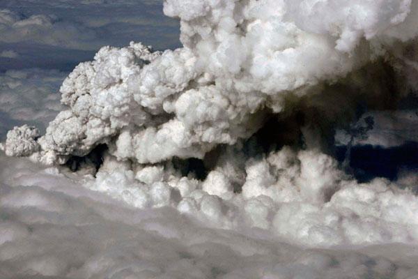 ICAO phát triển các công cụ mới chống bụi núi lửa