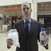 """Đá lạnh tại nhà hàng ở Anh """"bẩn"""" hơn nước trong toilet"""