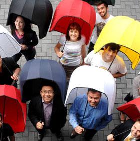 Kỳ lạ chiếc ô che mưa chịu được gió cấp 7