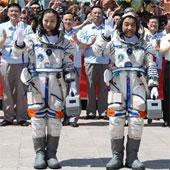 Trung Quốc đã phóng tàu vũ trụ Thần Châu 10