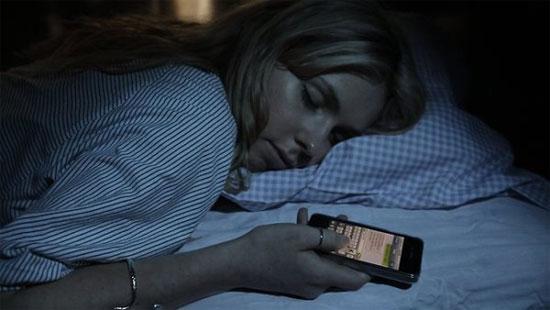 Smartphone và tablet có ảnh hưởng xấu tới giấc ngủ