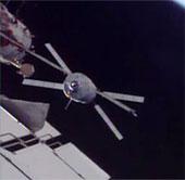 Tàu Albert Einstein kết nối với trạm vũ trụ