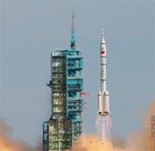 Thần Châu 10 và cuộc chạy đua trên không gian
