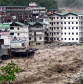 65 người thiệt mạng vì ngập lụt và lở đất tại Ấn Độ