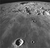 Phát hiện thêm 280 miệng núi lửa mới trên Mặt trăng