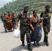 Lũ lụt lớn tại Ấn Độ và Canada gây nhiều thiệt hại