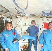 Thần Châu 10 thử nghiệm lắp ghép thủ công trên quỹ đạo