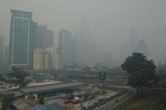 Malaysia ban bố tình trạng khẩn cấp do khói mù