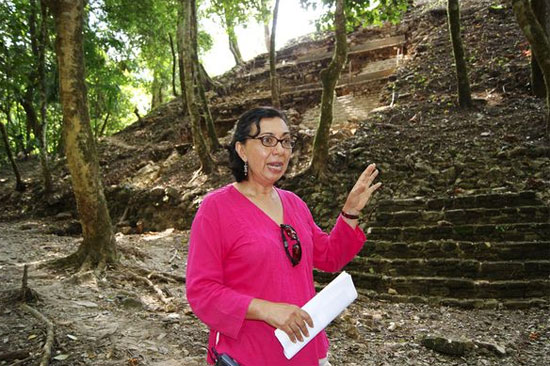 Nhà khảo cổ Marta Cuevas