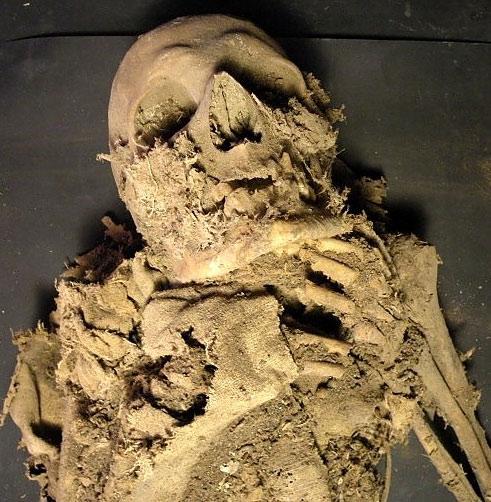 Phát hiện hàng trăm xác ướp trong mộ tập thể