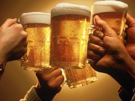 """Muỗi """"thích"""" người uống bia"""