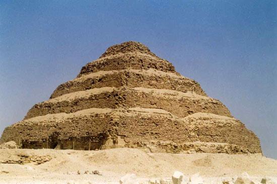 Túi khí cứu kim tự tháp lâu đời nhất Ai Cập
