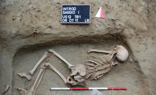 Italy phát hiện bộ hài cốt có niên đại 5.000 năm