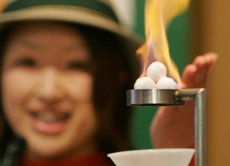 Nhật sắp khai thác khí đốt từ 'băng cháy'