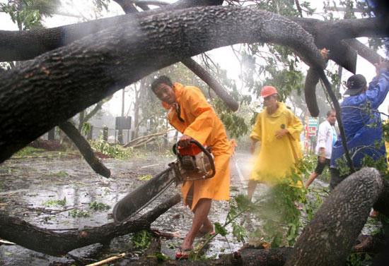 Philippines: 25 người chết vì bão Nock-ten đổ bộ