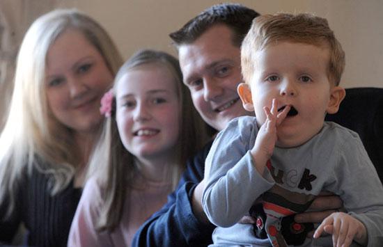 Đứa trẻ đột biến gây sốc ở Anh