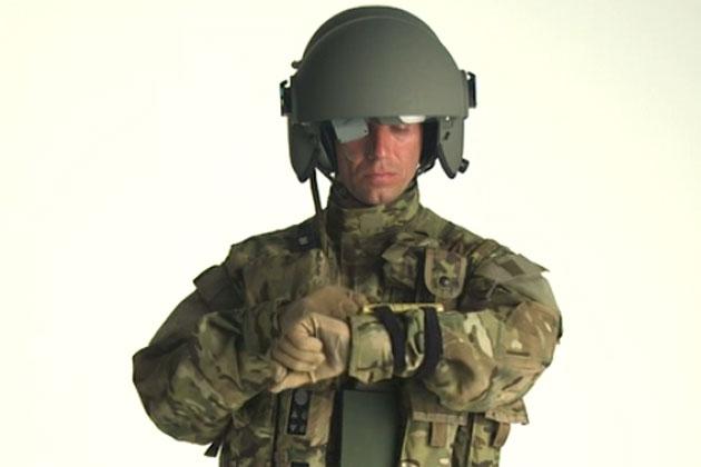 Phi công Mỹ mặc hệ thống Aviation Warrior