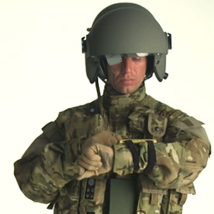 Phi công Mỹ sắp có mũ bảo hiểm như điện thoại