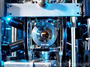 Trung Quốc đã sản xuất được đồng hồ quang học