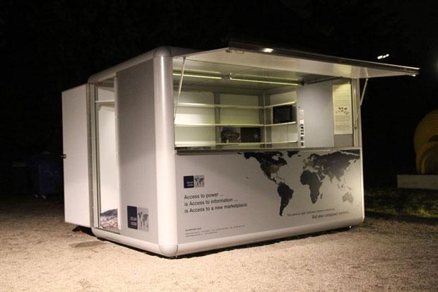 Cửa hàng điện mặt trời cho vùng nghèo
