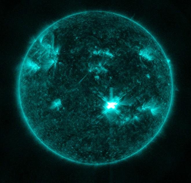 Hệ thống cảnh báo bão mặt trời mới