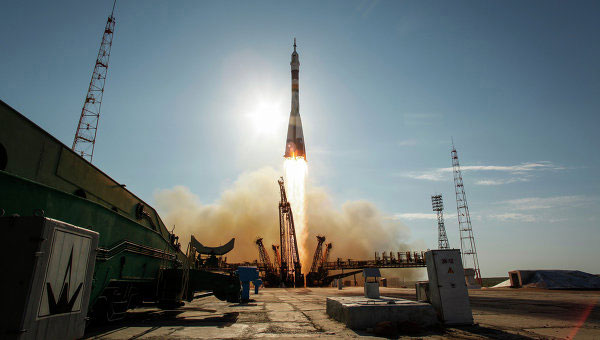 Phi thuyền Nga tới trạm không gian