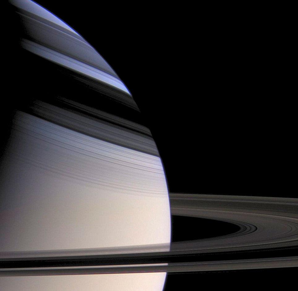 NASA công bố ảnh tuyệt đẹp về Sao Thổ