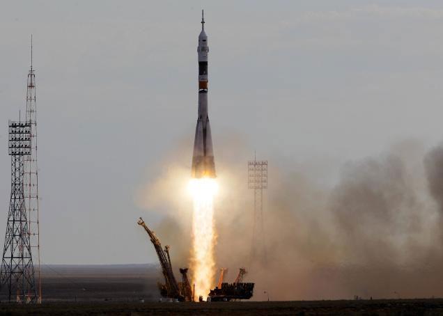 Nga ra mắt tàu sân bay tên lửa Soyuz-FG mang 5 vệ tinh