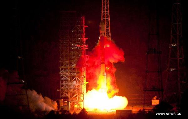 Trung Quốc phóng vệ tinh chuyển dữ liệu toàn cầu