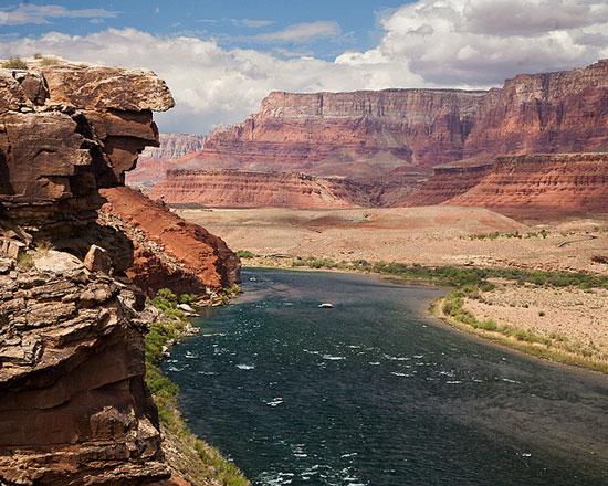 Tìm thấy thung lũng lớn bằng đại vực Grand Canyon
