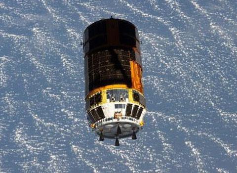Video: Tàu chở vệ tinh Việt Nam tiếp cận ISS