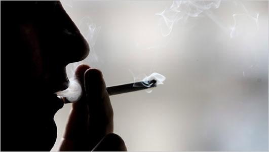 Vitamin D giúp hạn chế suy giảm chức năng phổi do hút thuốc lá