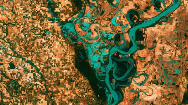 Những đồng cỏ, cánh đồng, thị trấn... bao quanh sông Mississippi - hệ thống sông lớn nhất Bắc Mỹ