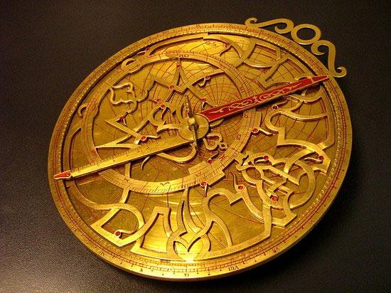 """Chiêm ngưỡng """"máy tính"""" cổ xưa nhất thế giới bằng vàng"""