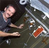 Hệ thống siêu âm giúp xác định điểm rò rỉ khí trên trạm ISS