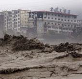 Lở đất chôn vùi 17 người ở Trung Quốc