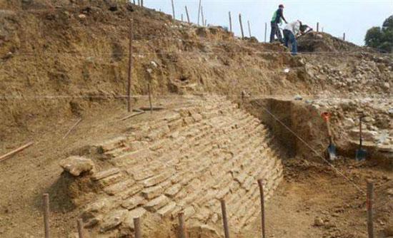 Ngôi mộ 2.000 năm tuổi ở Mexico