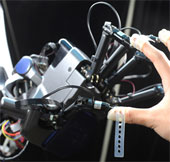 Kỳ diệu robot biết mổ