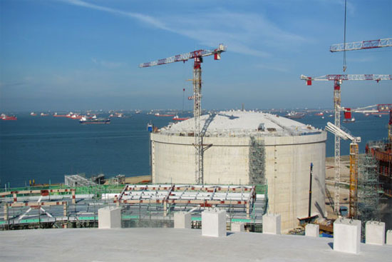 Singapore xây dựng cảng khí hóa lỏng thứ hai