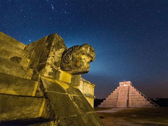 Tục hiến tế của người Maya
