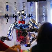 Robot phục vụ quán ăn