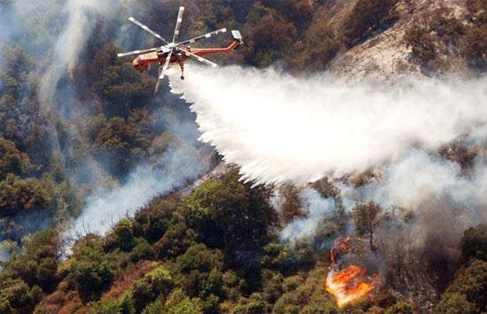 Mỹ sử dụng công nghệ cao để chống cháy rừng