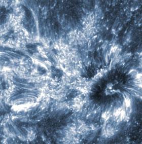 Chụp được ảnh khu vực bí ẩn của Mặt trời